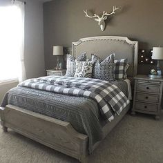 Dark grey comforter with grey & WHITE patterned duvet