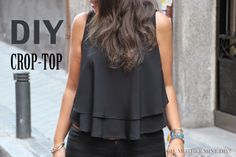 Hellooooooo!!!!! Hoy vamos a compartir la Blusa Crop-Top que estaba deseando enseñaros!!!! Esta blusa la hice yo solita el fin de semana pasado. Y la verdad que no es difícil, aunque hay que tener pac