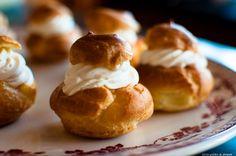 Choux à la crème Chantilly au Mascarpone. Plus de recettes avec de la chantilly sur www.enviedebienmanger.fr/recettes/chantilly