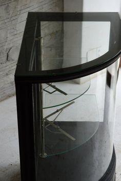 アールガラスのショーケース