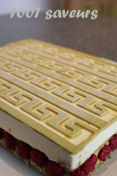 Légèreté pistaches framboises - Mille et une saveurs Biscuits, Saveur, Butcher Block Cutting Board, Relief, Waffles, Cooking, Breakfast, Voici, Charlotte