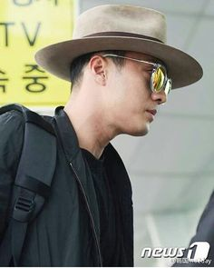 So ji sub at incheon international airport..✈ He'll going to taiwan..!! 2016/09/30 Soganzi black style.. 😍😍😍😍 #sojisub#sojisubfan#soganji #sonick#51k #51kingdom #socool #sohandsome #sonice#charmingman #actor#model#singer#rapper#multitalent#likeforlike#l4l#f4f#korea#소지섭 #蘇志燮 #소간지 #ソジソブ #ジソブ#군함도#battleshipisland#Missu#보고싶다