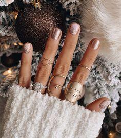 Awesome Metallic Nail Designs Ideas For Perfect Look Nails – NagelDesign Elegant ♥ Holiday Nails, Christmas Nails, Fall Nails, Winter Nails, Nail Art Vernis, Ten Nails, Uñas Fashion, Gel Nails At Home, Metallic Nails