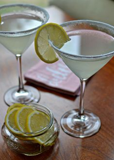 This Lemon Drop Martini Recipe is a lightly sweetened lip smacking lemon lovers treat. This vodka based cocktail can be prepared in minutes. Vodka Based Cocktails, Craft Cocktails, Summer Cocktails, Cocktail Drinks, Lemon Cocktails, Cocktail Shaker Recipes, Martini Recipes, Drink Recipes, Lemon Drop Cocktail