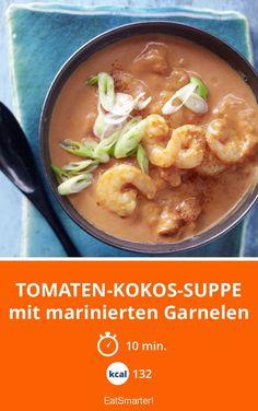 Tomaten-Kokos-Suppe - mit marinierten Garnelen - smarter - Kalorien: 132 Kcal - Zeit: 10 Min. | eatsmarter.de