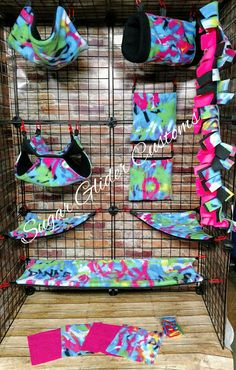 Check out this item in my Etsy shop https://www.etsy.com/listing/532513334/graffiti-13-piece-sugar-glider-cage-set