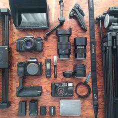Buying a Digital Camera? Photography Camera, Photography Tips, Film App, Saigon Vietnam, Top Gadgets, Cameras For Sale, Computer Network, Desk Setup, Camera Gear