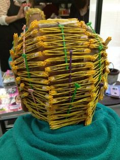 Nice roll on small rods Curly Perm, Perm Rods, Roller Set, Perms, Permed Hairstyles, Curlers, My Hair, Wigs, Hair Beauty