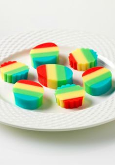 Reduced-Sugar Rainbow JIGGLERS – Creamy yogurt gets added to a variety of JELL-O flavors to create these delicious (and colorful) desserts. Serve them up to your kids for a sweet treat they are sure to enjoy!