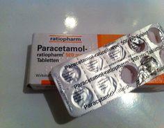Paracetamol-Tabletten gegen hartnäckige Schweißflecken