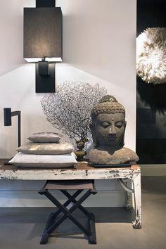 Déco reposante | architecture d'intérieur, design, home decor, interior design. Plus d'inspirations sur http://www.bocadolobo.com/en/products/dining-tables.php