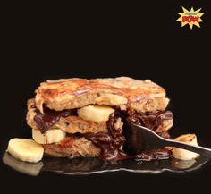 Protein French Toast + Banana + Dark Chocolate = the tastiest mathematical formula you will ever have! Protein Rich Diet, Whey Protein Recipes, Protein Powder Recipes, Protein Foods, High Protein, Protein Deserts, Protein Power, Peanut Butter Protein Cookies, Low Carb Peanut Butter