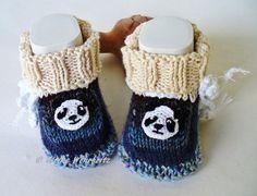 Strick- & Häkelschuhe - Babyschuhe Babystiefel Panda - ein Designerstück von strickliene bei DaWanda