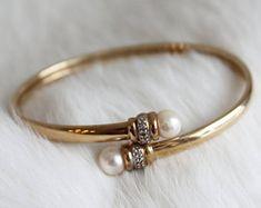 From Belly Rings To Tennis Bracelets, This Jewelry Advice Is King – Finest Jewelry Gold Bracelet For Women, Gold Bangle Bracelet, Diamond Bracelets, Jewelry Bracelets, Ladies Bracelet, Baby Bracelet, Anklet Jewelry, Gold Jewelry Simple, Modern Jewelry