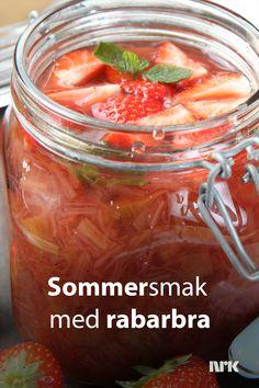 Kald rabarbrasuppe. Rabarbra er syrlig og god sommermat. Her er Lise Finckenhagens tips til en enkel og kjempegod rabarbradessert. Pickles, Cucumber, Desserts, Recipes, Food, Tailgate Desserts, Deserts, Meals, Dessert