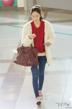 [111222] Jessica at Gimpo Airport To Japan