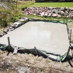 How to concretise a base plate for your garden shed - An Ultimate Guide - Garten - Terrasse Gazebo, Diy Pergola, Metal Pergola, Pergola Roof, Backyard Sheds, Outdoor Sheds, Diy Outdoor Furniture, Outdoor Decor, Modernisme