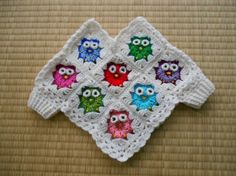 (Crochet) Baby Poncho – Little OwlsClube do croche/ Alcione Telles compartió la. - Clube do croche/ Alcione TellesEasy Crochet Poncho For Childeasy crochet girls boys at DuckDuckGoHow to Crochet an Infant's Poncho : Crocheting Clothes for Kids how Crochet Baby Poncho, Crochet Girls, Crochet Baby Clothes, Crochet Granny, Crochet For Kids, Easy Crochet, Poncho Knitting Patterns, Crochet Patterns, Kids Poncho