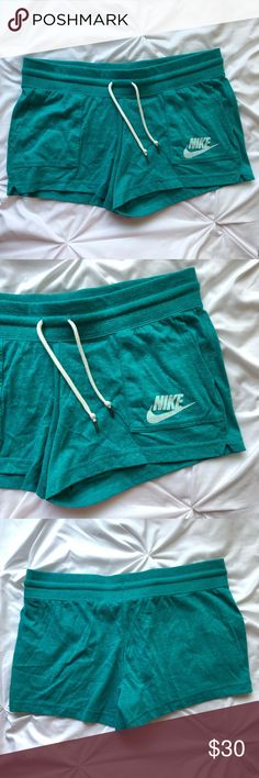 """Women's Nike Logo Shorts Women's Nike Logo Shorts Size Large 3"""" Inseam NWT Regular Price $35  🚫 No trades 📦 Same or next business day shipping!  ✨ Open to reasonable offers 💡 Bundle to save on shipping Nike Shorts"""