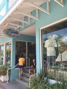 5 Amazing Reasons to Visit Siesta Key Florida - Passports to Life Siesta Key Florida, Siesta Key Beach, Old Florida, Florida Vacation, Florida Travel, Florida Beaches, Vacation Spots, Siesta Key Restaurants, Siesta Key Village