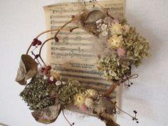 枝に咲くサンキライのリース by pinot フラワー・ガーデン ドライフラワー