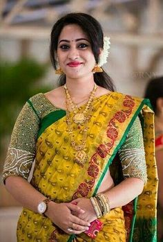 Here are some of the coolest pics of saree plus watch. Silk Saree Blouse Designs, Bridal Blouse Designs, Beautiful Girl Indian, Beautiful Indian Actress, Beautiful Women, Beautiful Blouses, Beautiful Saree, Aunty In Saree, Saree Models