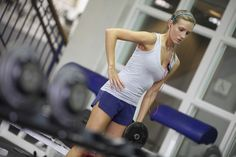 Neked is lehet formás karod! Gym Equipment, Sporty, Running, Workout, Style, Racing, Swag, Stylus, Keep Running
