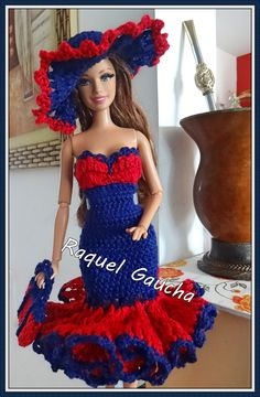 rachelcrochet.wordpress.com #Anne #Vestido #Chapéu #Sombrero #Cartera #Bolsa #Purse #Dress #Crochet #Barbie #Doll #Muñeca #RaquelGaucha