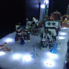 #christmas #deco #lights #house #design #frozen #village