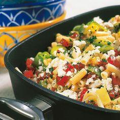 Was Schnelles für Eilige - Nudeln mit Lauch und Feta halten Sie nicht lange auf, zumindest beim Kochen.