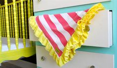 TUTORIAL: Ruffle Blanket by MADE
