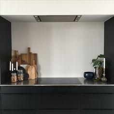 Floating Shelves, Flat Screen, Home Decor, Blood Plasma, Decoration Home, Room Decor, Wall Shelves, Flatscreen, Home Interior Design