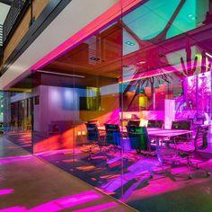 A+I uses coloured glass walls to define workspaces for LA ad agency – Modern Corporate Office Design Corporate Office Design, Corporate Interiors, Office Interiors, Business Design, Design Interiors, Laminated Glass, Interior Work, Big Design, Cool Office