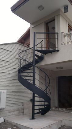spiral staircases - Herreria de Vanguardia Sale of Stairs and Railings - Novo Design decoracion ideas escaleras Staircase Outdoor, Modern Staircase, Spiral Staircases, Spiral Stairs Design, Staircase Design, Outside Stairs, Tiny House Stairs, Exterior Stairs, Stairs Architecture