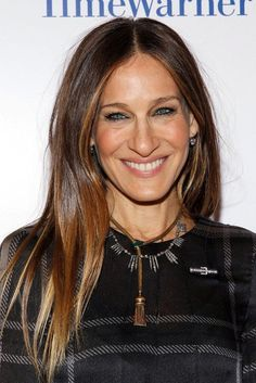 Hair Inspiration: Sarah Jessica Parker With Long Glossy Sombre Locks (Le Fashion) Sarah Jessica Parker Body, Rachel Bilson, Sombre Hair, Bayalage, Hair Color Dark, Diane Kruger, Brunette Hair, Long Brunette, Cut And Style