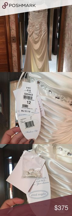 Alfred Angelo wedding gown Size 12 nwt Alfred Angelo Dresses Wedding