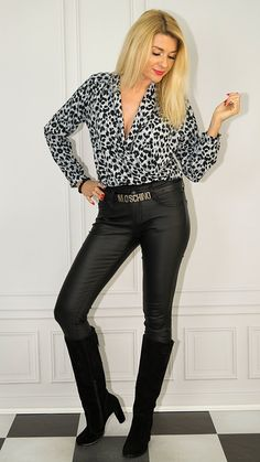 Leather Skirts, Leather Pants, Confident Woman, Short Tops, Photo Sessions, Short Skirts, Baby Love, Leggings, Cat