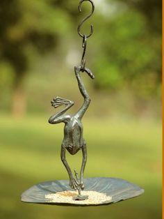 Hanging Frog Bird Feeder Mother nauture at its finest Garden Statues, Garden Sculpture, Frog Art, Garden Pests, Toad, Bird Watching, Garden Projects, Garden Ideas, Garden Inspiration