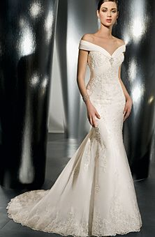 Brides Magazine: Demetrios - Ultra Sophisticates : Style No. 1386 : Wedding Dresses Gallery