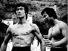 """Bruce Lee y Bolo Yung en """"Operacion Dragon"""""""