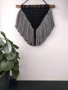 Macramé Wall Hanging/Macramé Wall hanger/Black/Grey/Modern