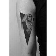 Amazing dotwork tattoo design