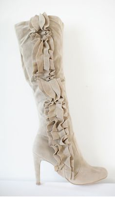 Beige faux-suede ruffle kneehigh boots from La Posh Style. -- Doubt I could pull these off, but they're very pretty. Cute Boots, Sexy Boots, Crazy Shoes, Me Too Shoes, Look Fashion, Fashion Shoes, Girl Fashion, Knee High Boots, High Heels