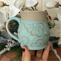 Adding pottery to your home décor is an innovative way of lighting it up and grabbing people's attention. As pottery is so diverse, incorporating it into your interior also offers the perfect oppor… Slab Pottery, Thrown Pottery, Glazes For Pottery, Pottery Mugs, Ceramic Pottery, Pottery Painting, Ceramic Painting, Ceramica Artistica Ideas, Ceramic Texture