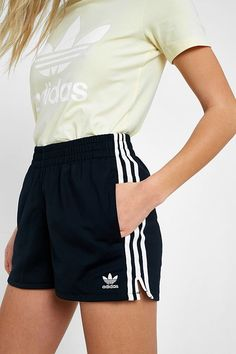 "Slide View: 2: adidas Originals – Shorts ""Adicolor"" mit 3-Streifen-Styling"