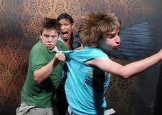 Haunted house hidden camera's...HILARRIIOOUUS!