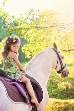 Great idea for a photo shoot with a pony