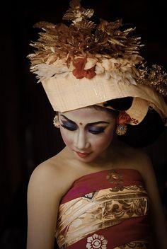 Balinese dance costume #indonesia