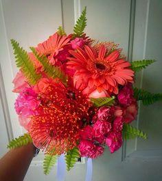 CBR218 Weddings riviera maya coral  hot pink bouquet / bodas riviera maya  coral y fuscia ramo