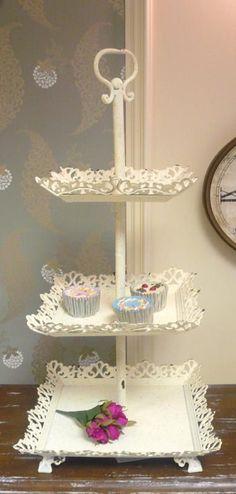 Large cream cake stand